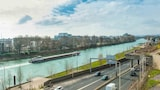 Book this In-room accessibility Hotel in Courbevoie