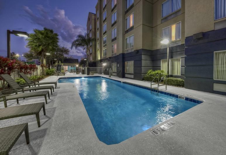 Fairfield Inn & Suites by Marriott Near Universal Orlando, Orlando, Utomhuspool