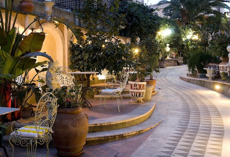 伊莫娜葵杜克圖斯酒店, 羅馬, 陽台