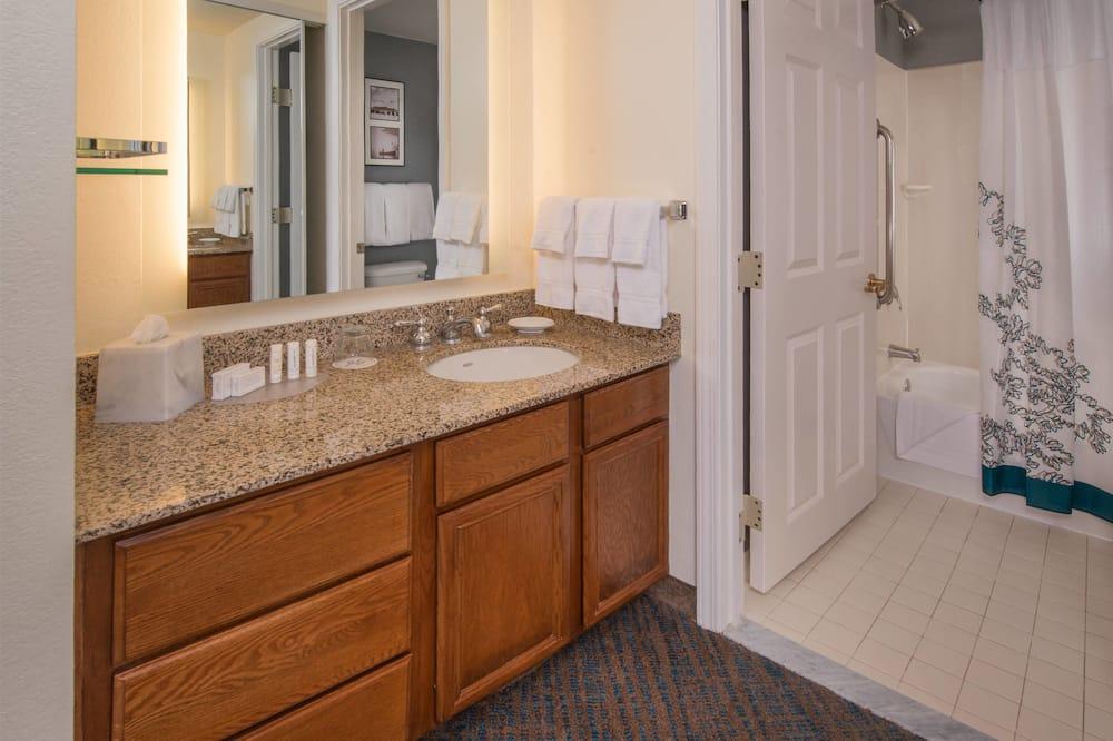 Студія, 1 ліжко «квін-сайз», для некурців - Ванна кімната