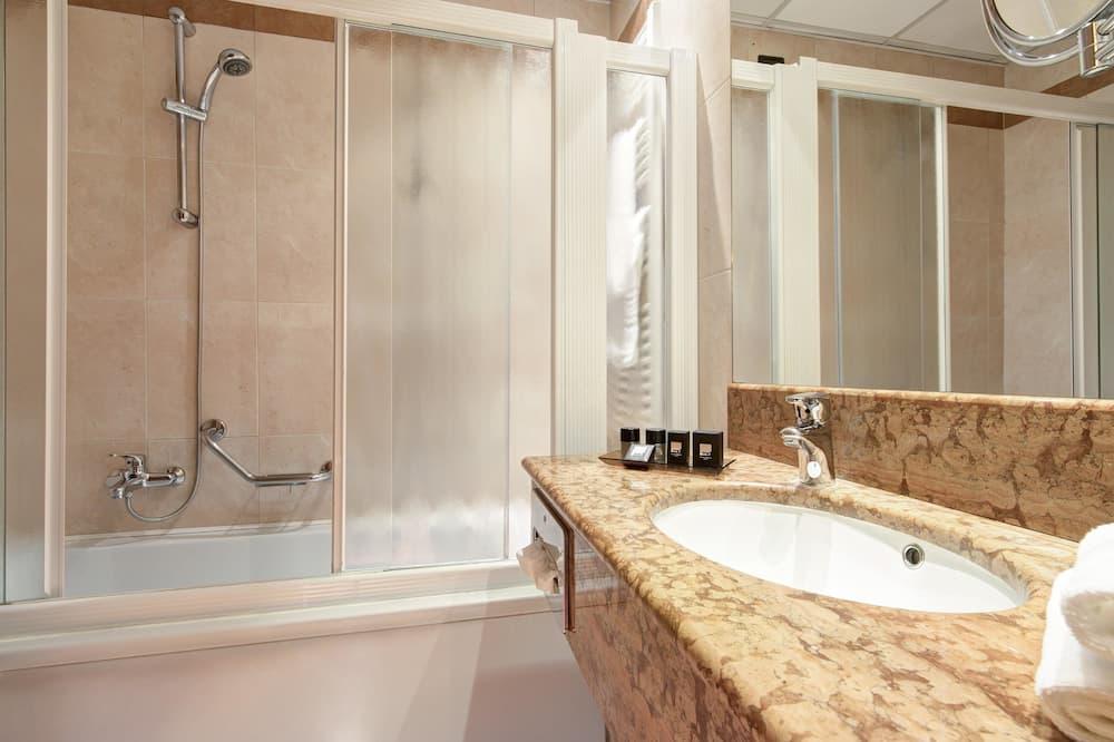 Classic szoba, 1 kétszemélyes ágy (Bed is French Bed) - Fürdőszoba