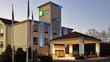 Reserve this hotel in Albemarle, North Carolina