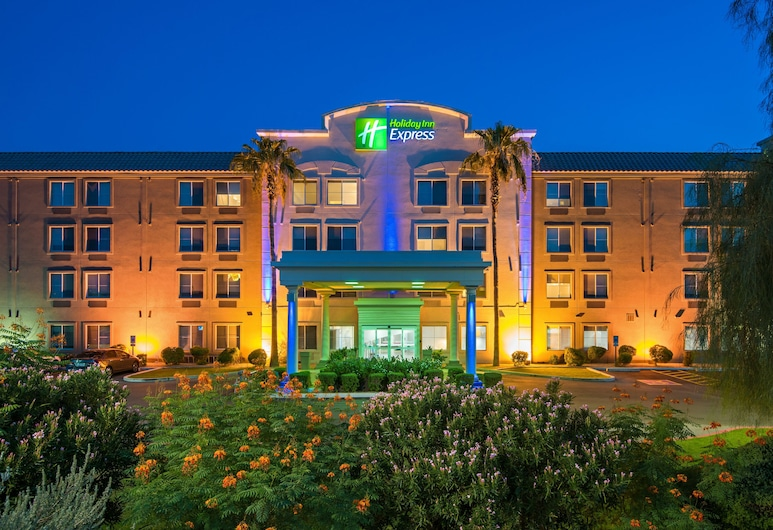 Holiday Inn Express Hotel & Suites PEORIA NORTH - GLENDALE, an IHG Hotel, Peoria