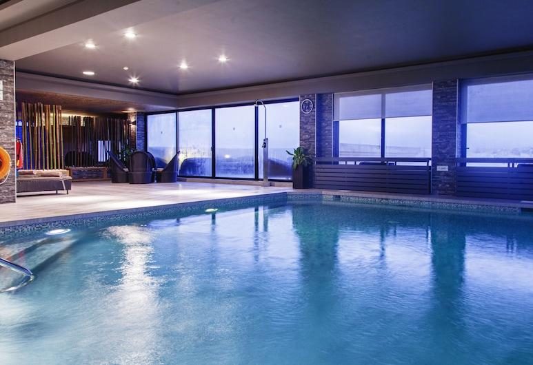 AX │ The Victoria Hotel, Sliema, Inomhuspool