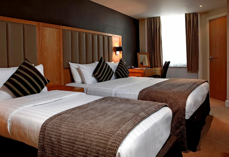 Best Western The Boltons, London, Family Room, Multiple Beds, Non Smoking, Guest Room