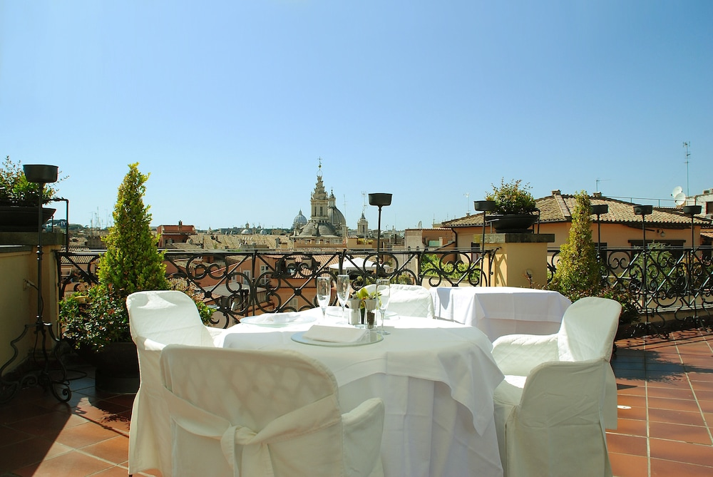 Book Grand Hotel De La Minerve in Rome | Hotels.com