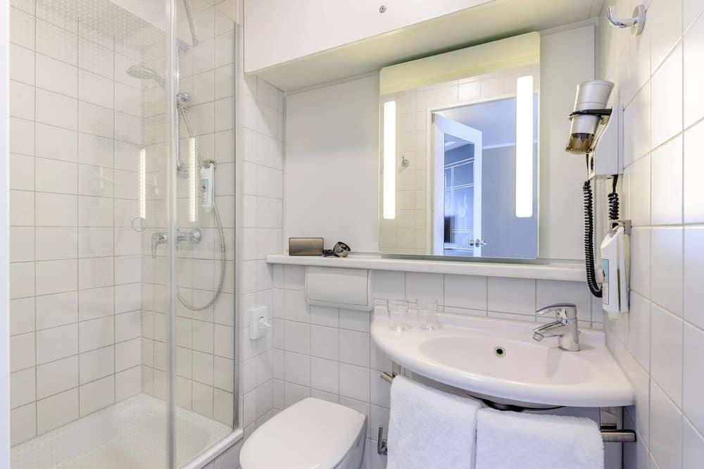 Doppelzimmer, 1 Doppelbett (New Sleep Easy Concept) - Badezimmer