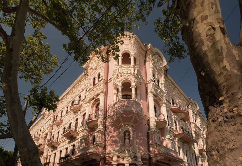 Hotel Bristol, Odessa, Exterior