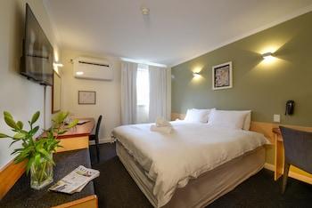 Picture of Sullivans Hotel in Perth