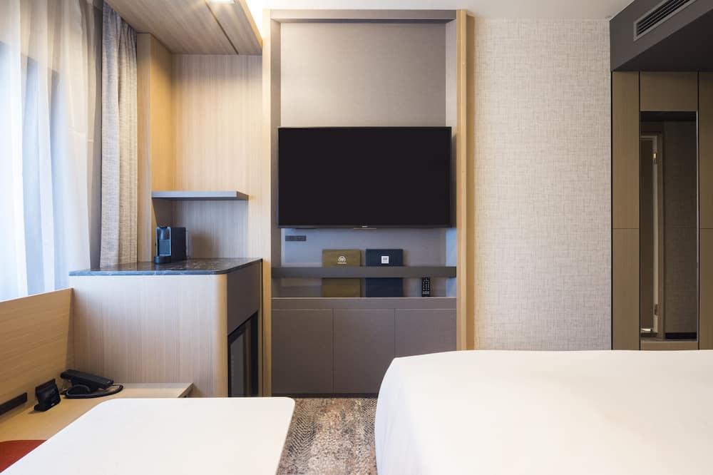 Edmont Superior Room,Non Smoking - Living Area