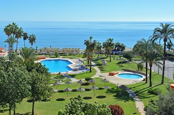 Enter your dates to get the Torremolinos hotel deal