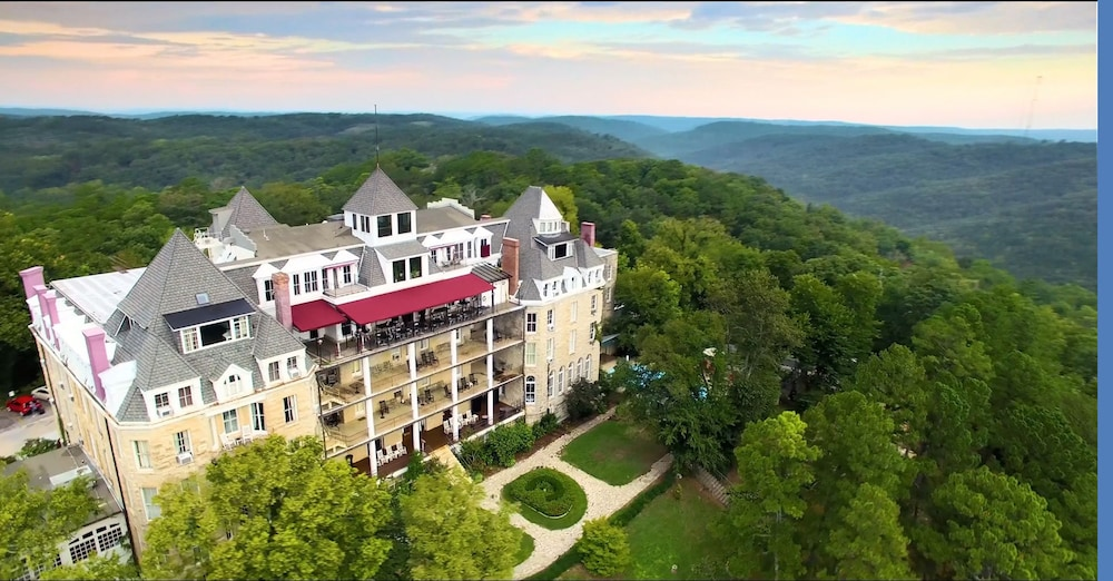 The Crescent Hotel And Spa Eureka Springs