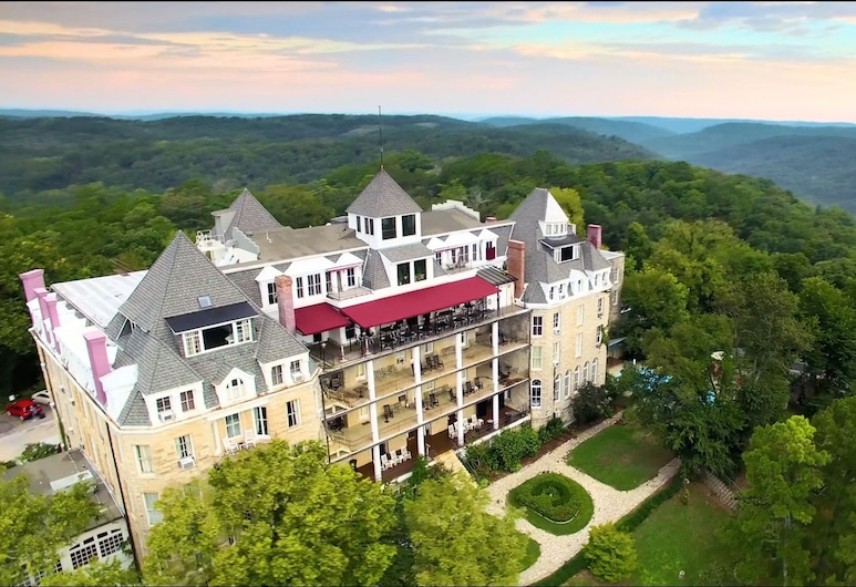The Crescent Hotel and Spa, Eureka Springs