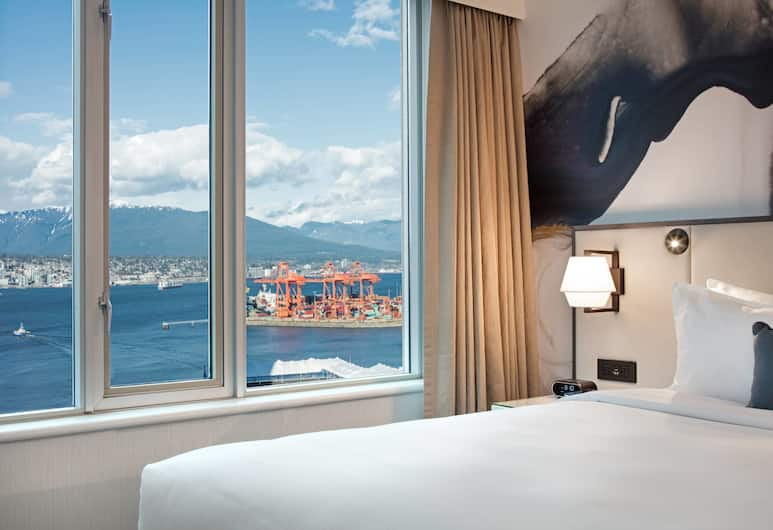 Delta Hotels by Marriott Vancouver Downtown Suites, Vancouver, Deluxe Suite, 1 King Bed, Partial Sea View (Partial Water View), City View