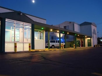 Chicago O Hare International Airport Ord Hotels With Parking Book At