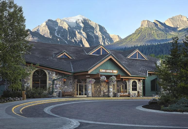 Lake Louise Inn, เลกหลุยส์, บริเวณภายนอก