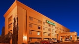 Reserve this hotel in Las Cruces, New Mexico