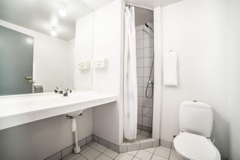 ห้องสแตนดาร์ด, เห็นวิวทะเลบางส่วน - ห้องน้ำ