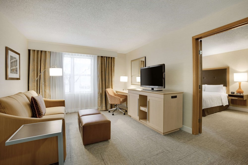 Suite, 1 King Bed, Non Smoking, Refrigerator & Microwave (Wet Bar) - Guest Room