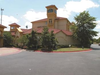 Picture of La Quinta Inn & Suites Oklahoma City Norman in Norman
