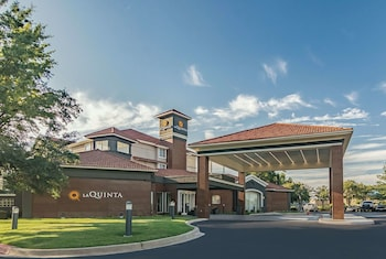 Picture of La Quinta Inn & Suites by Wyndham Oklahoma City Norman in Norman