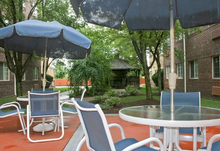 Extended Stay America - Providence - Airport, Warwick, Terraza o patio