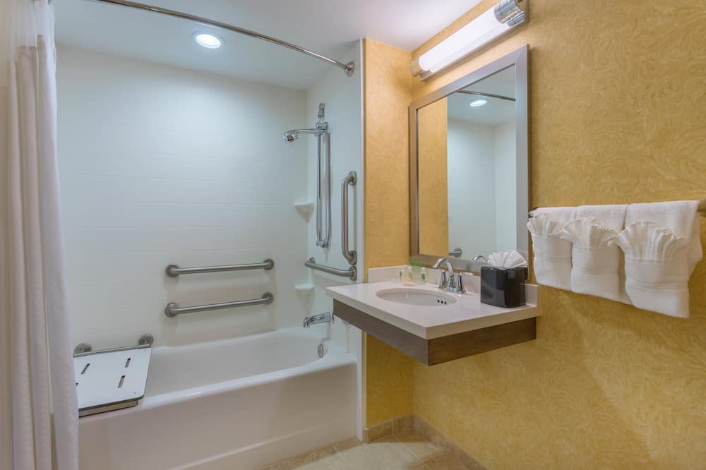 Room, 1 King Bed, Accessible, Non Smoking (Hearing Accessible) - Bathroom