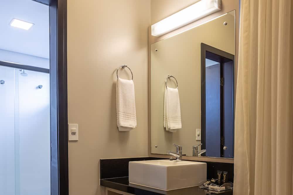 Executive Double Room, Bay View (Suite) - Bathroom