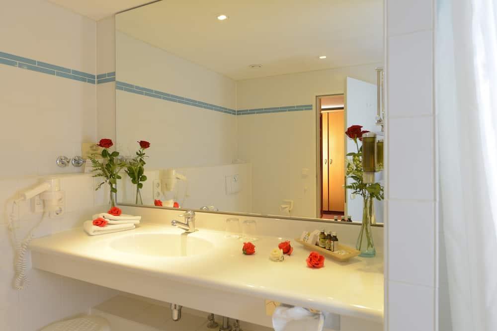 Maaseutunäköala - Kylpyhuone