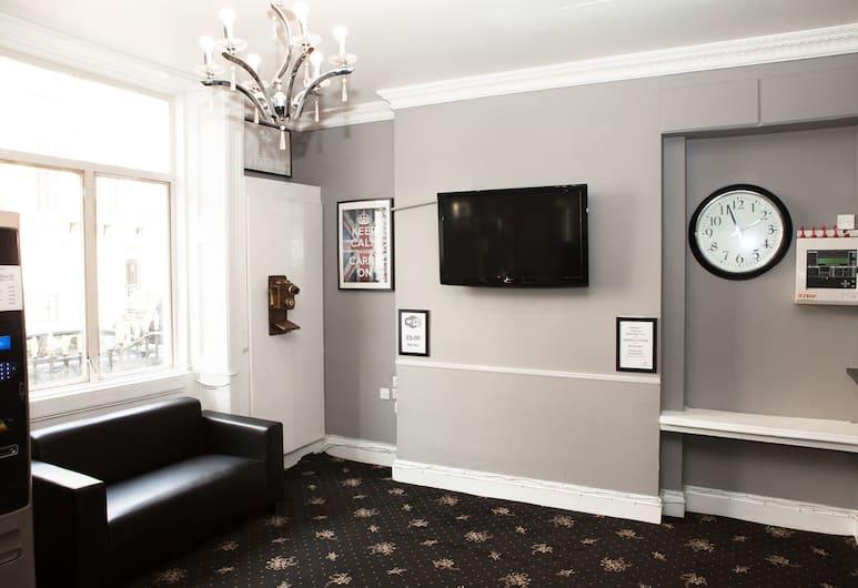 The Blair Victoria Hotel, London, Recepció