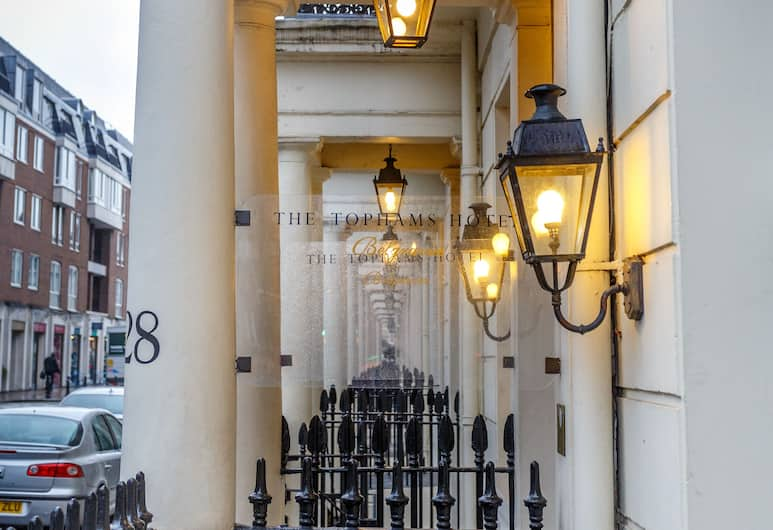 Tophams Hotel, London, Hotel Front