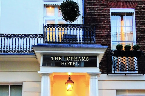 Tophams