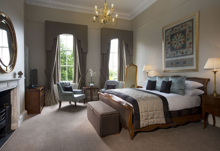 Bailbrook House, Bath, Deluxe King bedded room in historic Mansion House, Guest Room