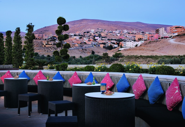 Movenpick Resort Petra, Musa, Terasa / vidinis kiemas