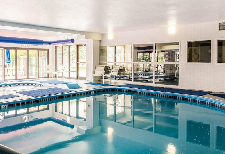 Quality Inn & Suites Denver North - Westminster, Westminster, Pool