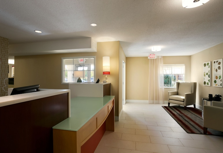 MainStay Suites Charlotte - Executive Park, Charlotte, Lobby