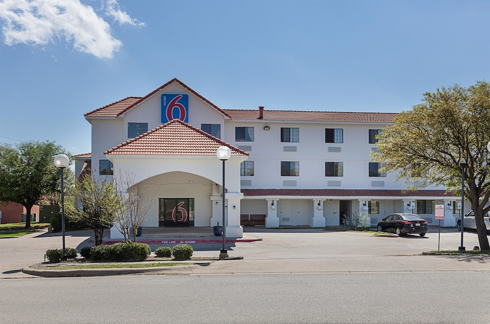 Motel 6 Ft Worth Bedford Tx Hotel Front