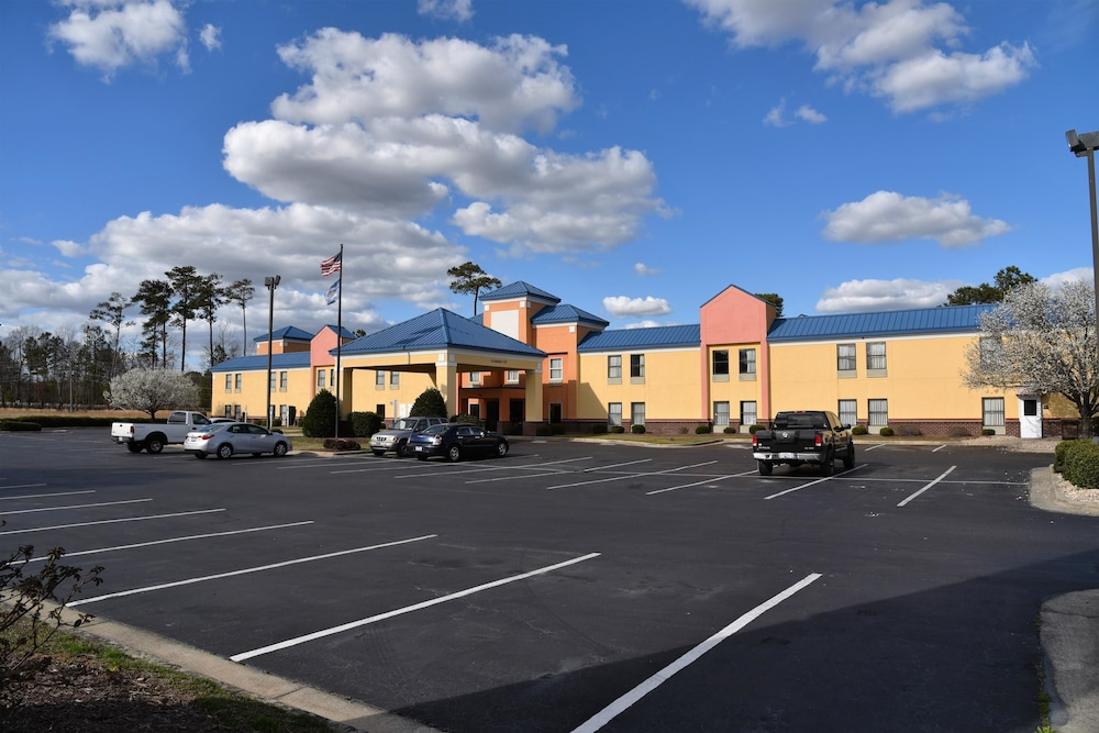 Surestay Plus By Best Western Tarboro Hotel Front