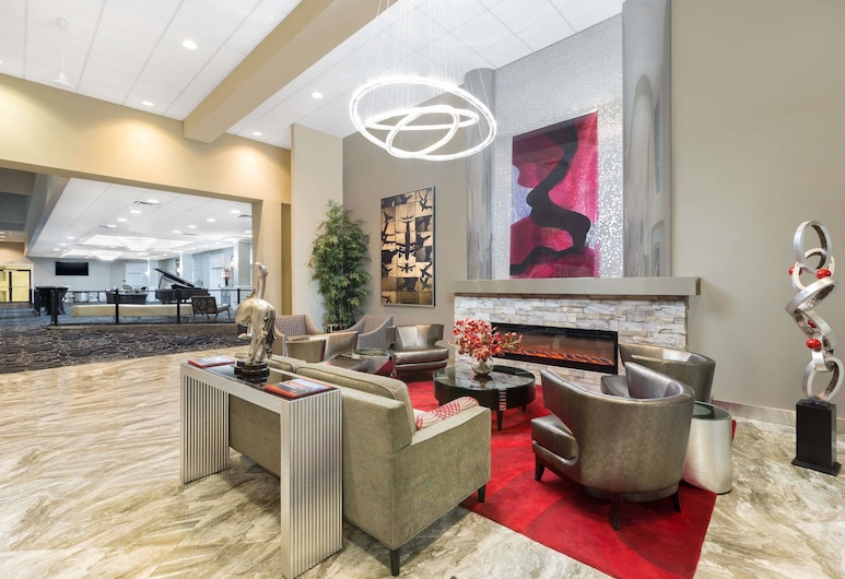 Ramada by Wyndham Des Moines Airport, Des Moines, Lobby