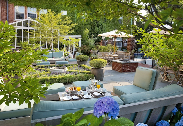 Vanderbilt, Auberge Resorts Collection, Newport, Giardino