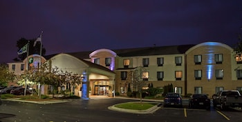 Picture of Holiday Inn Express Hotel & Suites Canton in Canton