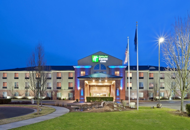 Holiday Inn Express & Suites Albany, Albany