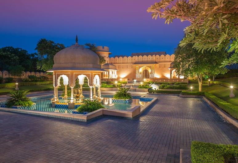 The Oberoi Rajvilas, Jaipur, Hotel Front – Evening/Night