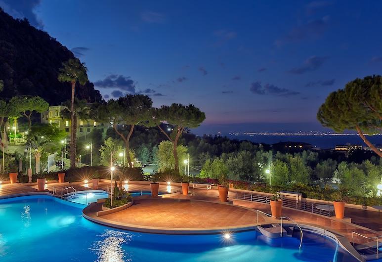 Hilton Sorrento Palace, Sorrento, Outdoor Pool