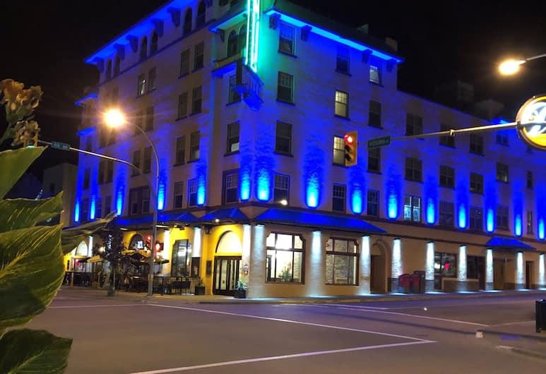 The Plaza Hotel, Trademark Collection by Wyndham, Kamloops, Otelin Önü - Akşam/Gece