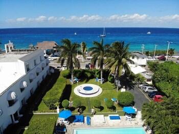 Picture of Villablanca Garden Beach Hotel in Cozumel