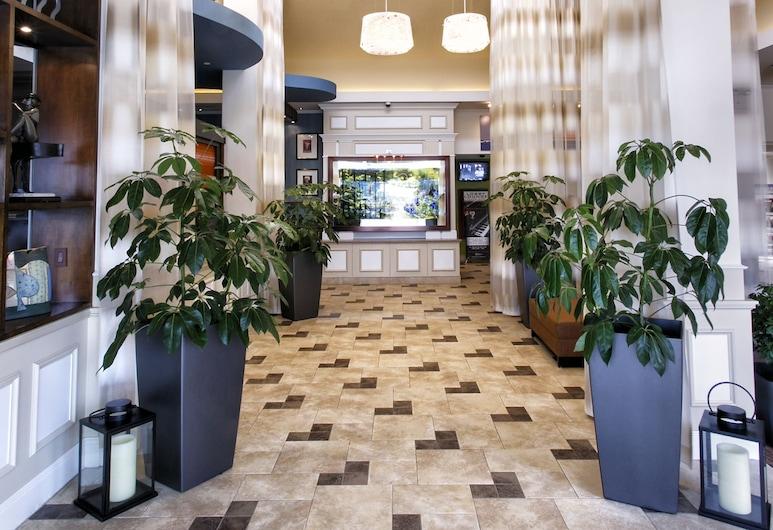 Hilton Garden Inn New York / Staten Island, Staten Island, Lobby
