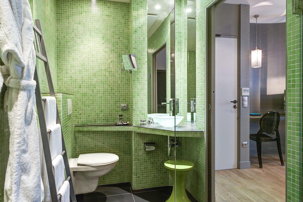 Aukštesnės klasės kambarys, 2 miegamieji, sujungti kambariai - Vonios kambarys