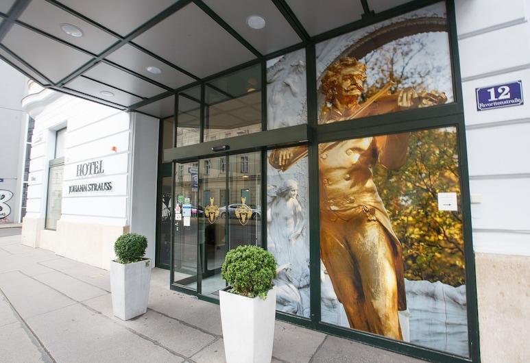 Hotel Johann Strauss, Wiedeń, Wejście do hotelu