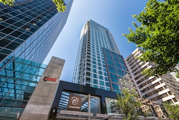 15 Closest Hotels to United States Consulate in Vancouver